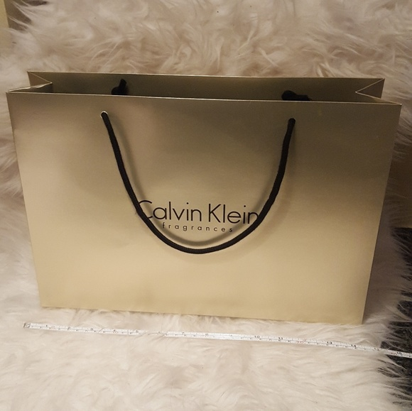 019daf874c Calvin Klein Handbags - Calvin Klein shopping bag